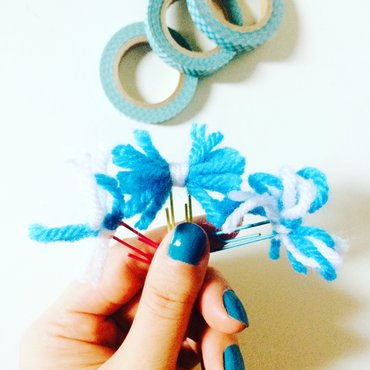 Set of 3 pom pom bookmarks in blue and white