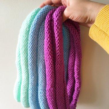 Knit bumpy cowl